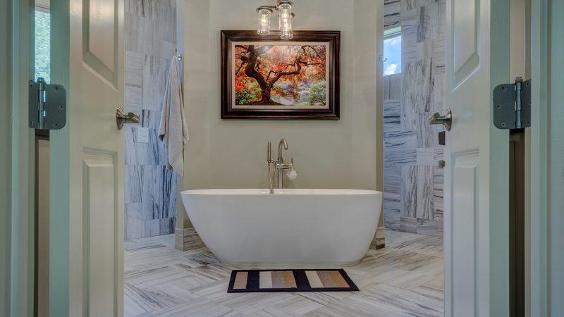 Kolme parasta suihkukaapin ideaa täydelliseen kylpyhuoneen makeoveriin