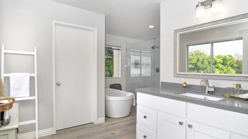 3 helppoa muutosta pieneen kylpyhuoneen sisustukseen pienimmällä budjetilla